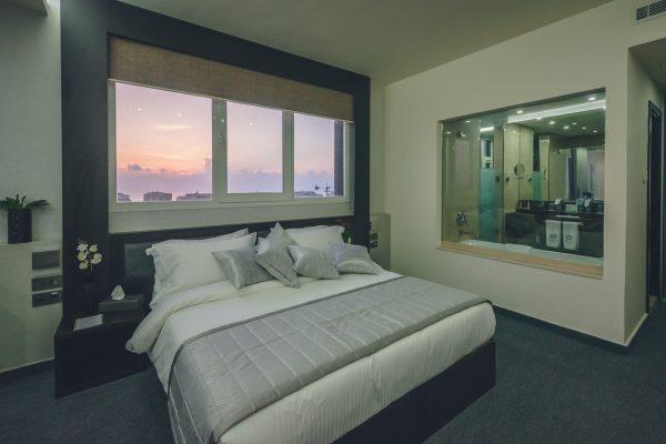 LOUIS 5 Hotel